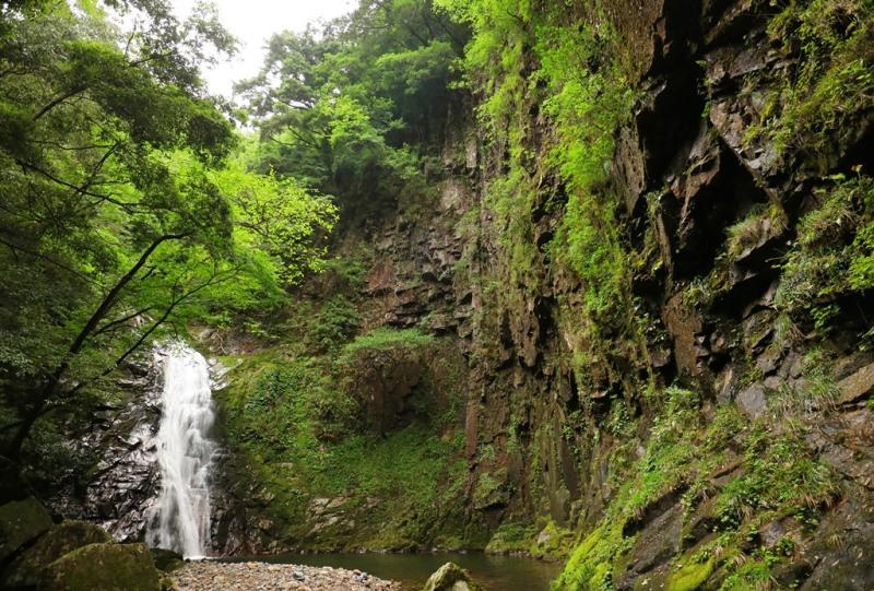 万古渓「ふぶきの滝」