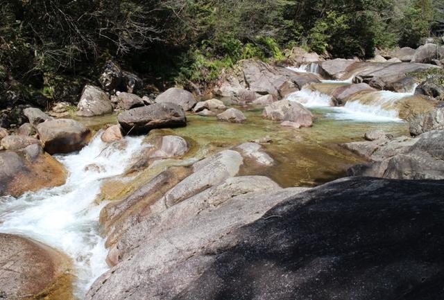 石ケ谷峡の姫滝
