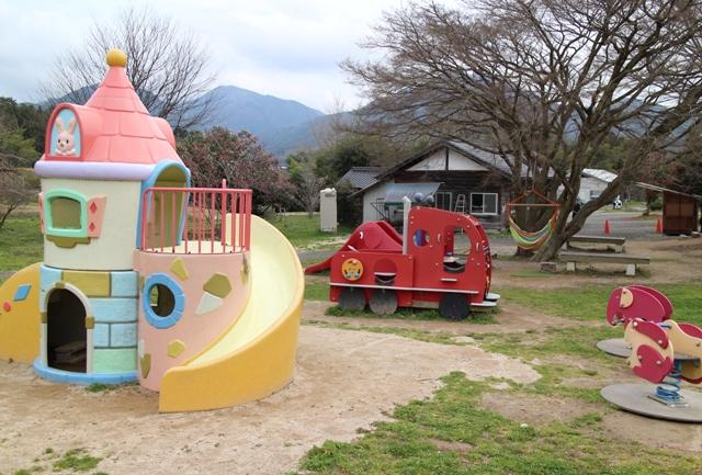 久保アグリファームの遊具