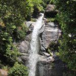 水煙が舞う!瀑雪の滝(ばくせつのたき)、三原市本郷町