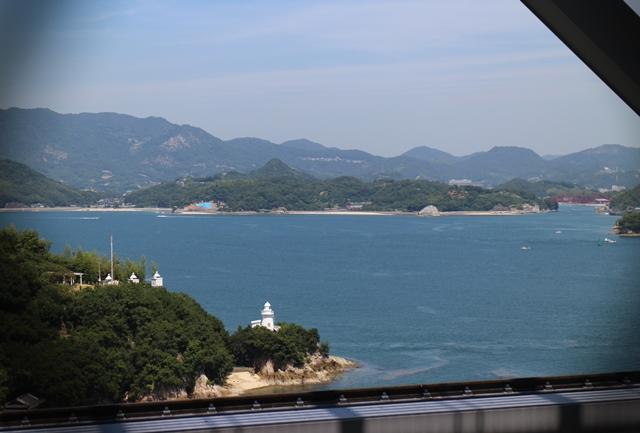 因島大橋の歩行者、自転車、小型自動二輪の通路からの景色