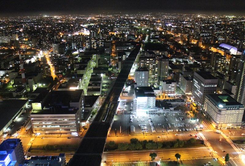 JRタワー展望室からの東側の夜景