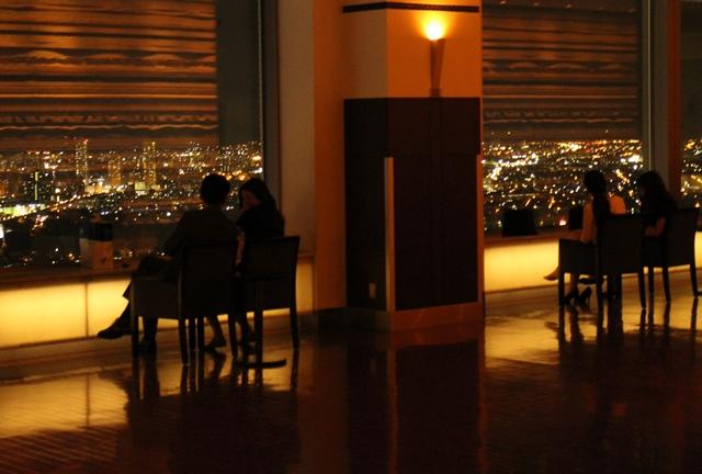 JRタワー展望室には椅子がある