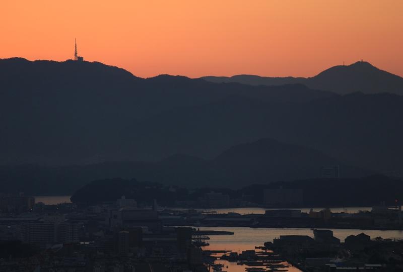 鈴が峰公園からの絵下山