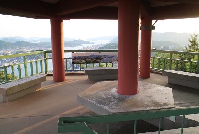 浄土寺山展望台の内部