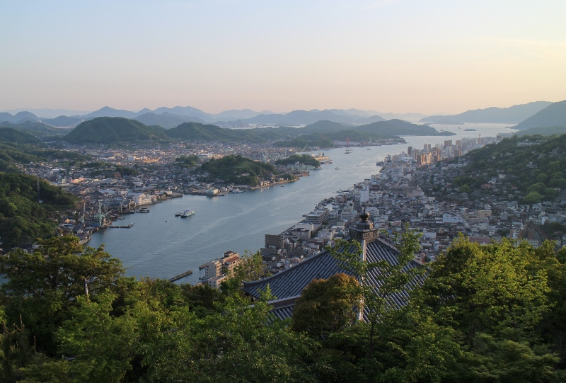 浄土寺山展望台から尾道水道を望む