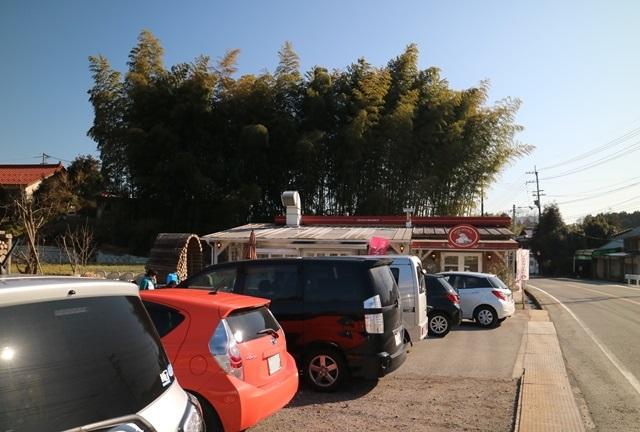 空口ママのみるく工房の駐車場