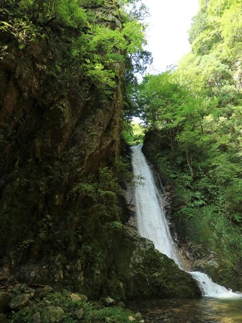 岩井谷の大龍頭(武者かくしのた滝)
