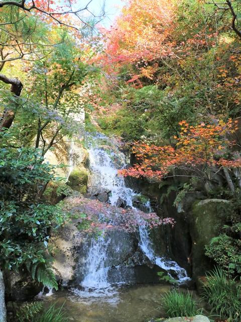 三景園の三段滝