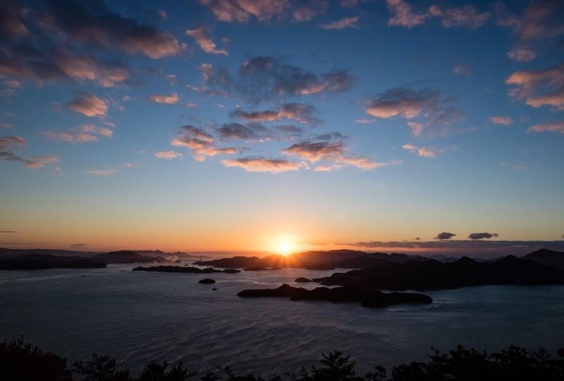 筆影山からの日の出