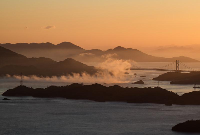 筆影山から望む瀬戸内海の海霧