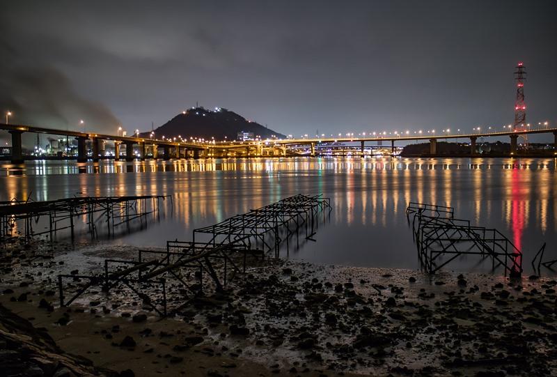 坂町から仁保JCTの夜景
