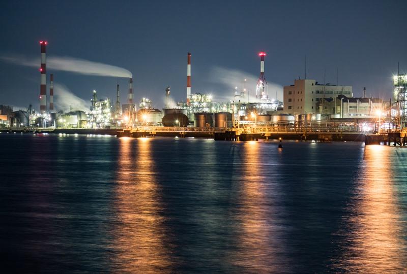 小方港付近から見た大竹の工場夜景