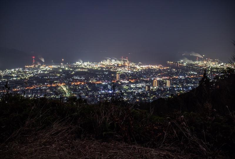 大河原山展望所から大竹の工場夜景を望む