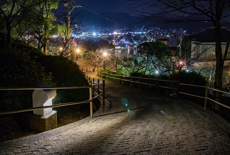 千光寺公園、遊歩道は夜も明るい