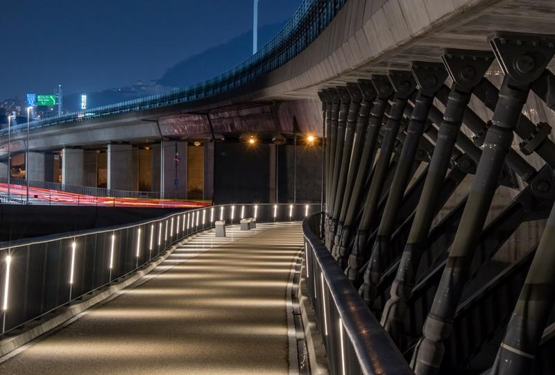 太田川大橋、遊歩道からの夜景