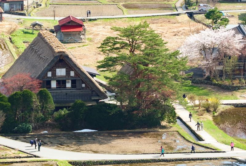 白川郷、天守閣展望台からの眺望