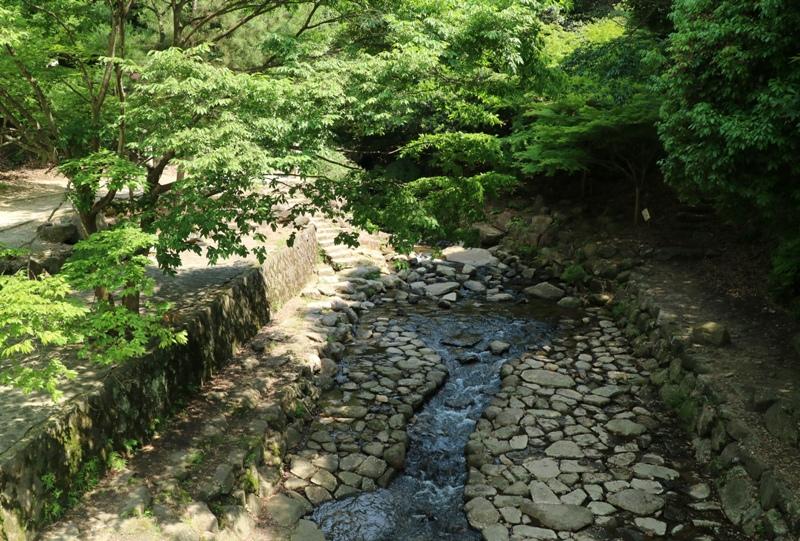 水分峡、川は自由に下りて遊べそう