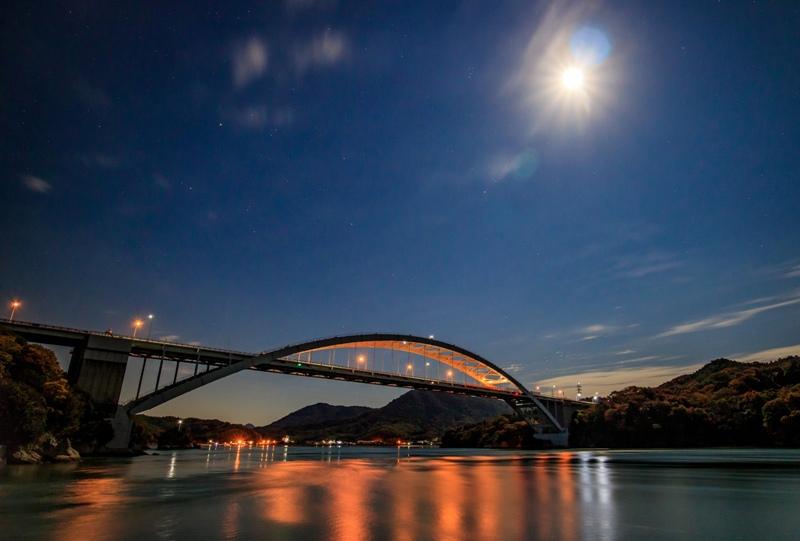 しまなみ海道「大三島橋」月光に照らされた夜景