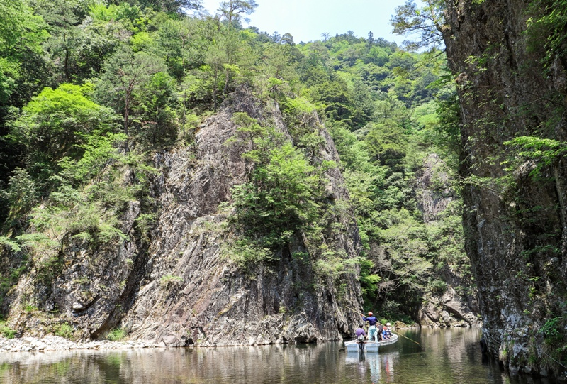 初夏の三段峡、黒淵「渡船乗り場」