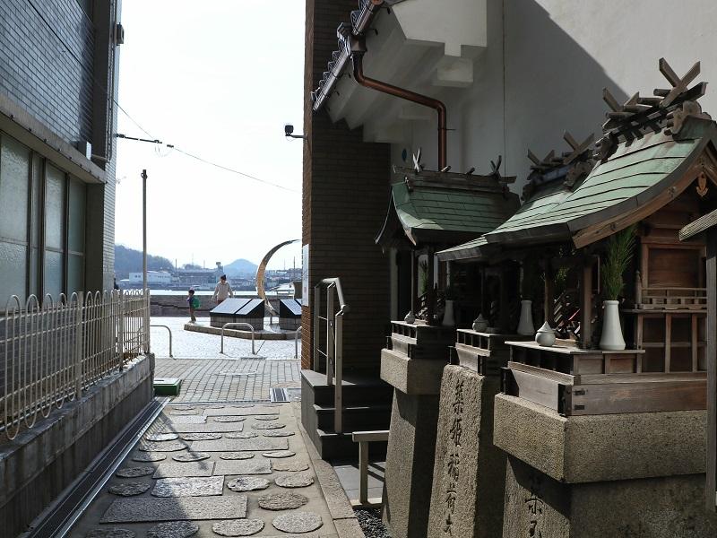 尾道水道と「築姫稲荷」