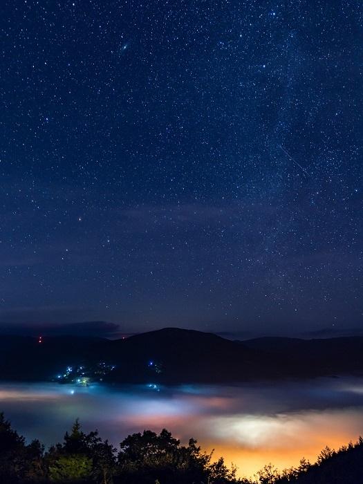 「吉和展望台」雲海と星空